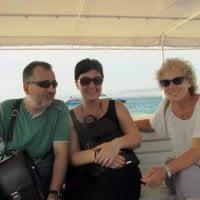 Uzun yıllar aynı sahneyi paylaştığım, 30 yıllık dostum İvi Dermancı ve Elif ile ada yolculuğu hatırası