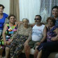 Memleketim Tire'de, annem, ablalarım ve Elif ile